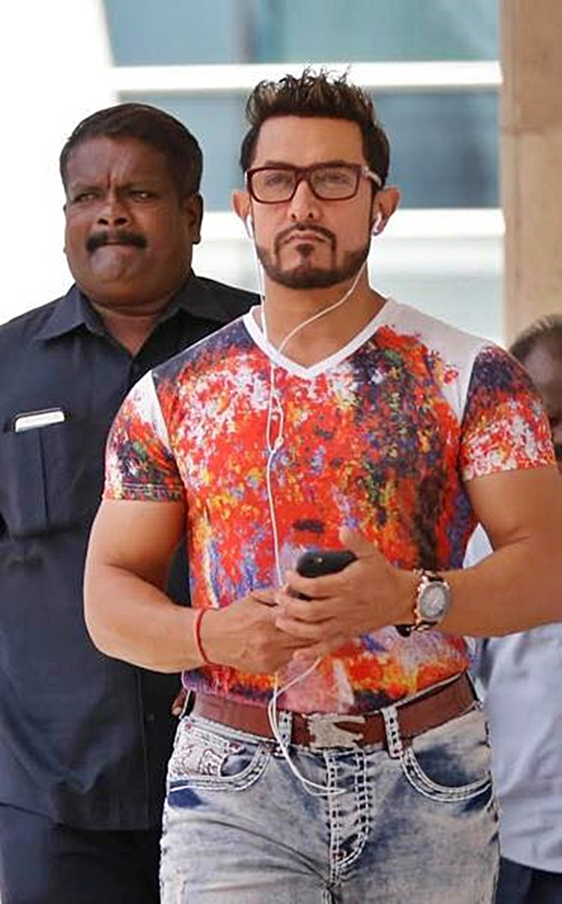 Check this out! The official look of Aamir Khan in Secret Superstar is out now